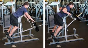 тяга к прессу в тренажере для мышц плечевого пояса