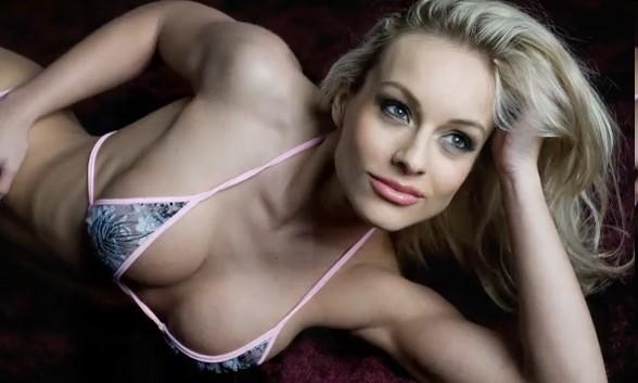 Ноеми Олах фитнес модель