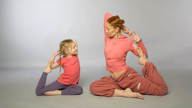 Йога для малышей с рождения