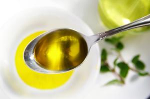 Ложка с оливковым наименованием
